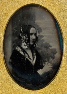 Ada_Byron_daguerreotype_by_Antoine_Claudet_1843_or_1850.jpg